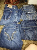 Size 5/7 Hollister jeans new in 29 Palms, California