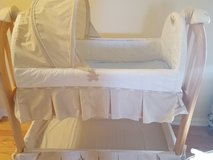 Like New Eddie Bauer Rocking Musical Bassinet -4 FREE SHEETS in Algonquin, Illinois