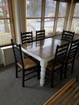 Farmhouse table and chairs in Chicago, Illinois