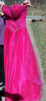 Hot pink tulle princess prom dress in Fort Leonard Wood, Missouri