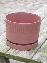 flower pot 6-1/4H x 8W in Naperville, Illinois
