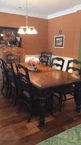 Dining room table and 8 chairs in Charleston, South Carolina