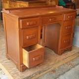 Solid wood desk in Chicago, Illinois