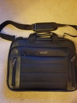 Kenneth Cole laptop bag in Chicago, Illinois