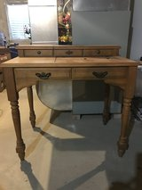 1970's singer sewing machine table in Morris, Illinois