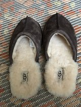 UGG SLIPPERS NEW AUTHENTIC in Ramstein, Germany