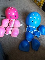 Helmets and kneepads in Fairfield, California