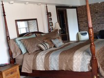 KING SIZED POSTER BED in Lockport, Illinois