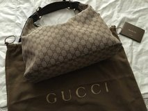Gucci handbag in Shorewood, Illinois
