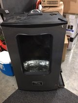 Masterbuilt Electric smoker with remote in Fort Campbell, Kentucky