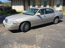 2006 Lincoln Towncar Signature Limited in Fort Polk, Louisiana
