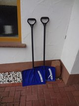 2 x Snow shovels (doubles as leaf scooper) in Ramstein, Germany