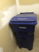 Sparingly used Garbage collection Cart (95 Gallons) in Glendale Heights, Illinois