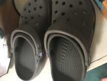 Womens crocs size 6 brown in Fort Leonard Wood, Missouri