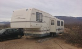 Fifth Wheel 30 foot with slide in Alamogordo, New Mexico
