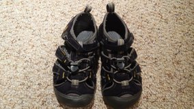 size 10 toddler boys keens in Glendale Heights, Illinois