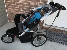 Schwinn Turismo Baby Infant Toddler Jogging Stroller in Camp Lejeune, North Carolina