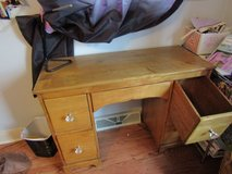 Child's Desk in Glendale Heights, Illinois
