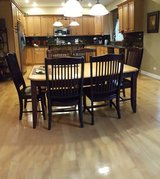 Kitchen table and chairs in Batavia, Illinois