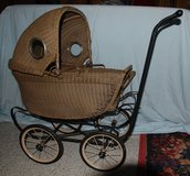 Victorian Wicker Doll Buggy in bookoo, US