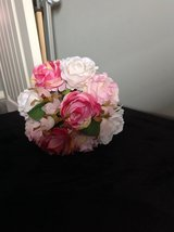 New! Faux Rose Bouquet in Fort Campbell, Kentucky