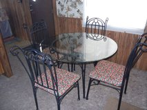 Kitchen Table And 4 Chairs Set in Alamogordo, New Mexico
