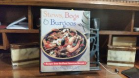 STEWS, BOGS & BURGOOS in Naperville, Illinois