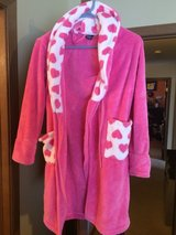 Girls Robe Size 8 in Bolingbrook, Illinois