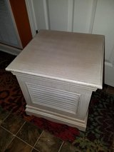 Pier 1 / Wood Captains Shutter Bench / Chest in Fort Campbell, Kentucky