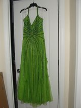 """PROM MILITARY BALL """"EMERALD GREEN SEQUIN BEADED """"DRESS SIZE 14 in Camp Lejeune, North Carolina"""
