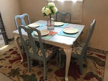 Table with 4 Upholstered Chairs in Elizabethtown, Kentucky