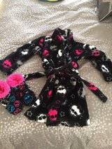 Monster high robe with slippers 6/6x in Naperville, Illinois