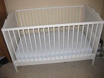 Ikea Hensvik Crib/Toddler Bed in Fort Carson, Colorado