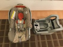 Car seat. Infant. Graco SnugRide 30 in Ramstein, Germany