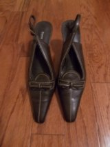 ***REDUCED***Ladies Pierre Dumas Sandals***SZ 8.5 in Kingwood, Texas