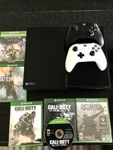 500GB XBox One w/Games and Accessories in Lake Elsinore, California