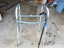 Walker/ Adjustable cane in Fort Leonard Wood, Missouri