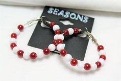 NWT Seasons Red White Plastic Bead Silver Tone Earrings Hoop Clasp in Kingwood, Texas