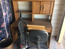 Desk and Chair in Alamogordo, New Mexico