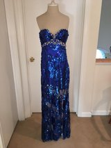 Elegant Prom turnabout dress only worn once! for a photo shoot. in Bolingbrook, Illinois