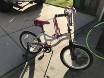 "Kids 18"" bike w/ training wheels in Vista, California"