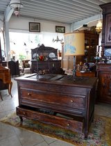 beautiful antiques at reasonable prices in Stuttgart, GE