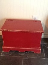Antique toy box/ blanket chest in Conroe, Texas