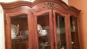 Beautiful and in perfect condition, solid oak hutch. in Fort Wayne, Indiana