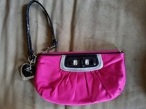 Like New! Hot Pink BeBe Wristlet in Fort Campbell, Kentucky
