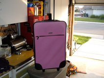 WOMEN OR GIRL'S PINK ROLLING CARRY ON TRAVELING CASE in Sacramento, California