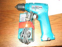 Makita 10mm cordless drill/Makita Fast Charger: DC7100: DC 7.25V 1.5A in Sacramento, California