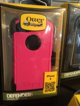 iPhone 5 5s 5se cases Otterbox these are brand new in Fort Lewis, Washington