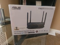 ASUS Router AC-1300 RT-ACRH13 in Fort Irwin, California