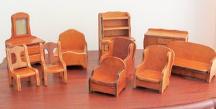 1930's Wanner Wooden Doll Furniture 10 pc set in Bartlett, Illinois